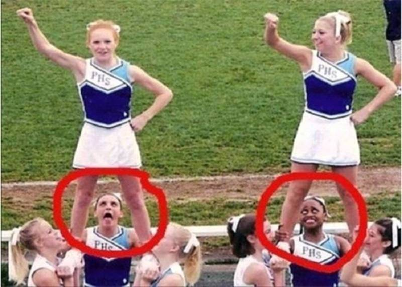cheerleaders embrassing moments