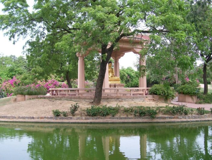 Best Places to Visit in Delhi for Couples