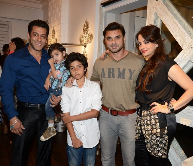 Seema Sachdev Khan and Sohail Khan with their Son Nirvaan and Yohan and brother Salman Khan