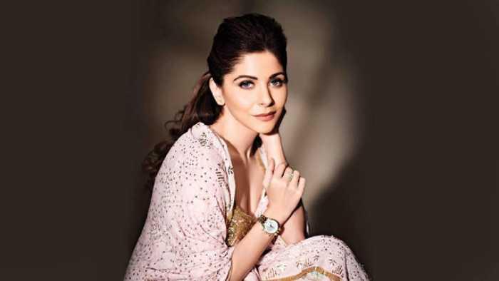 Interesting Facts About Kanika Kapoor, Singer & Single Mom ...