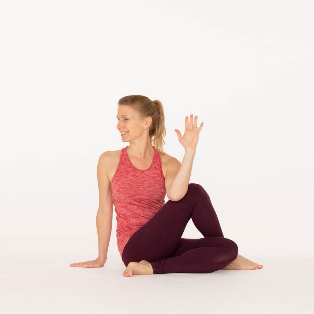 Yoga For Beginners - Ardha Matsyendrasana Pose