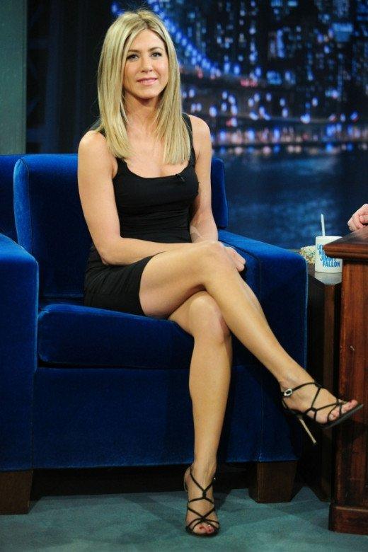 Jennifer Aniston Hot Legs