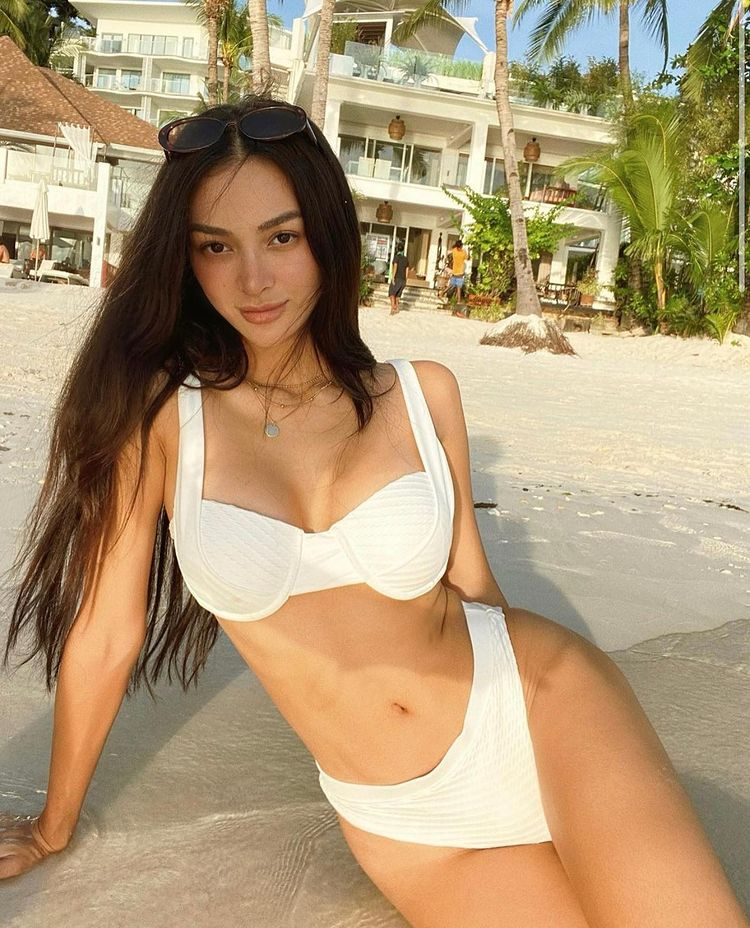 celebs-in white swmimsuits-eighthmermaid