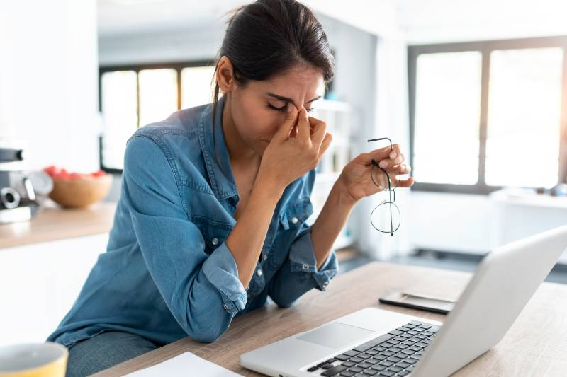 signs stress making you sick - Hard to Focus