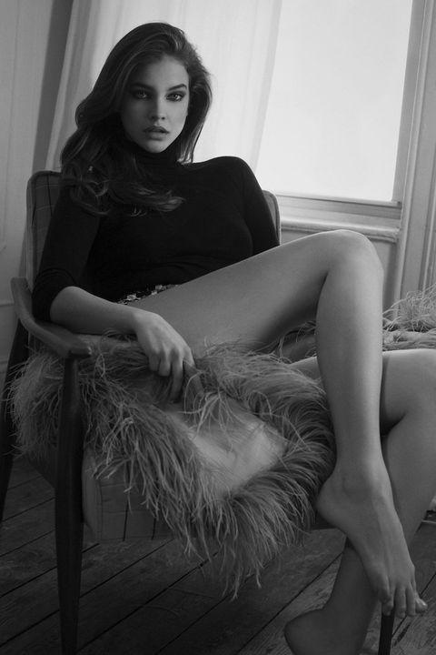 Barbara Palvin hot photograph