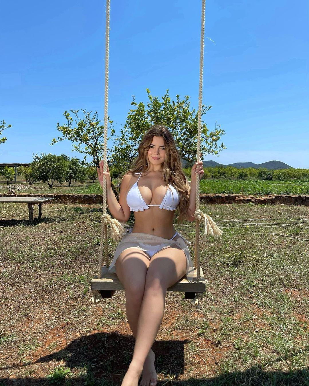 Demi Rose hot photos