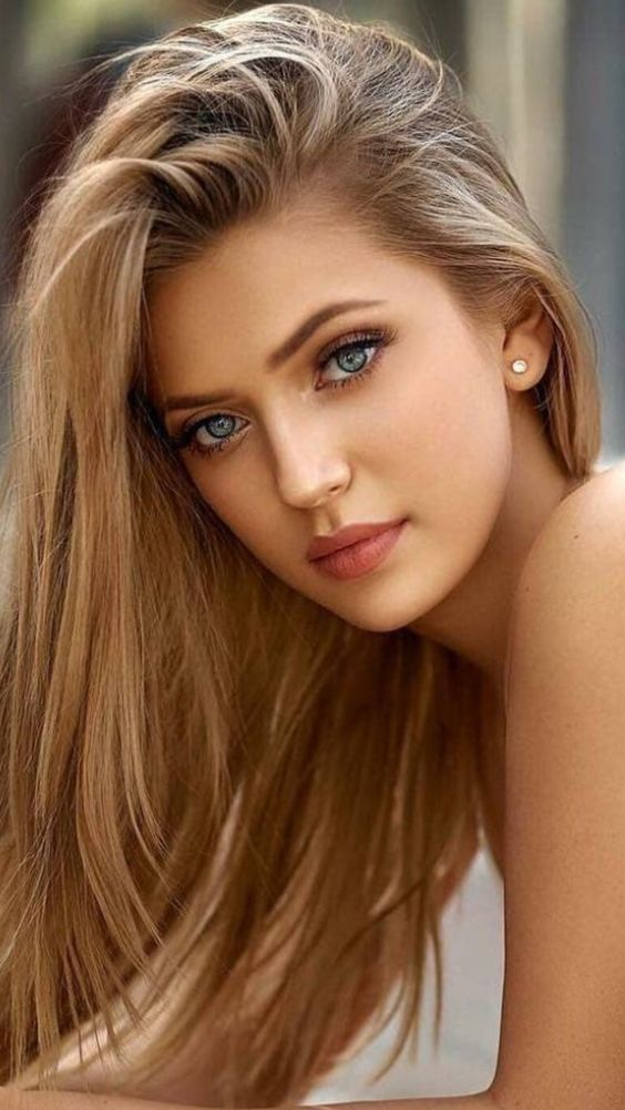 girl with beautiful eyes