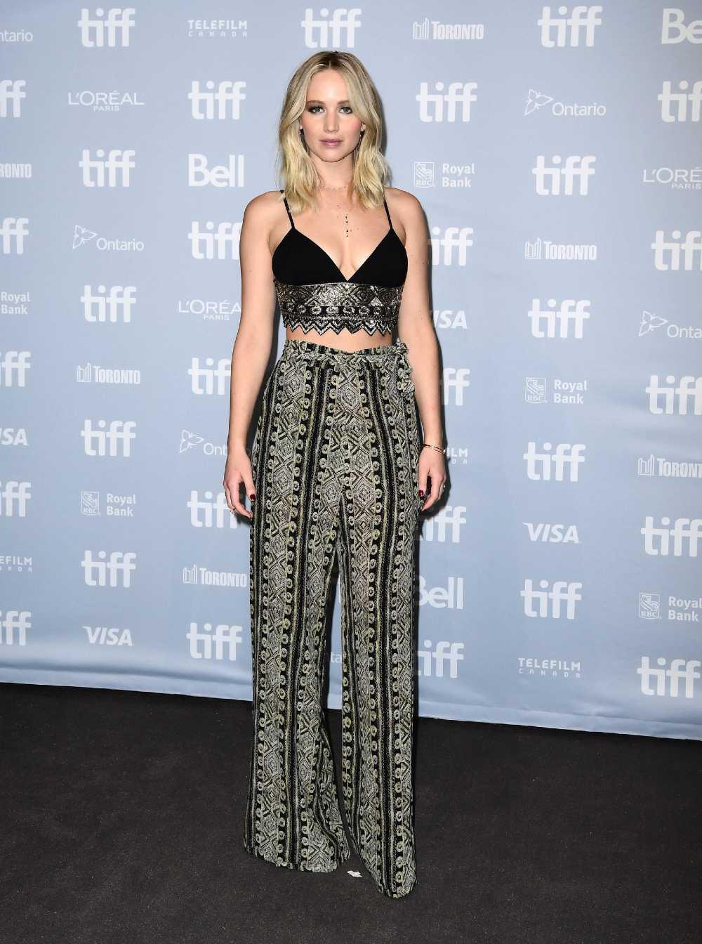 Jennifer Lawrence hot look 2