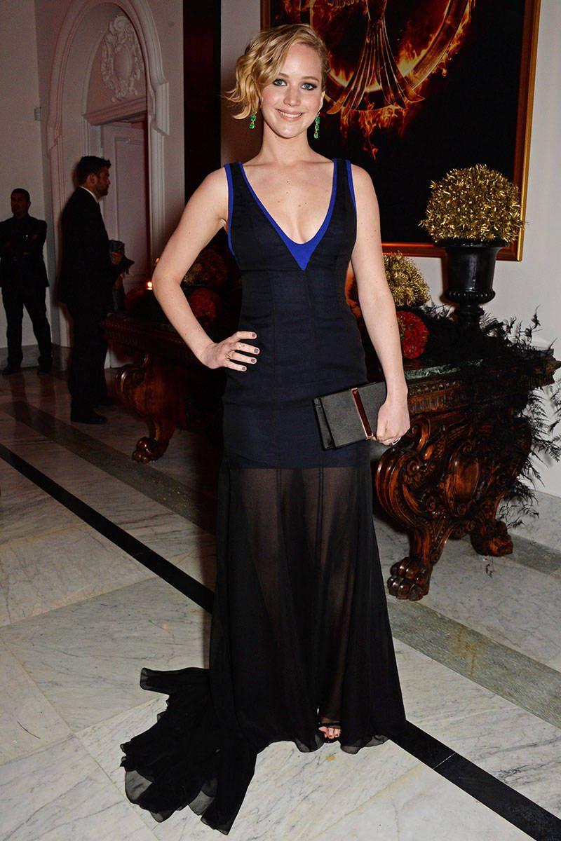 Jennifer Lawrence looks hot in black transparent dress