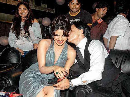 priyanka-chopra-affair with shahrukh khan